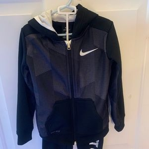 Nike toddler Boys Track Set with hoodie